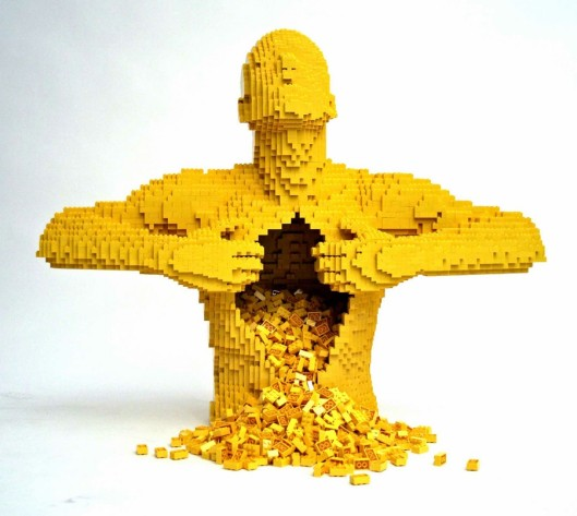 Image found on http://widelec.org/zdjecie,lego-by-nathan-sawaya,3189.html